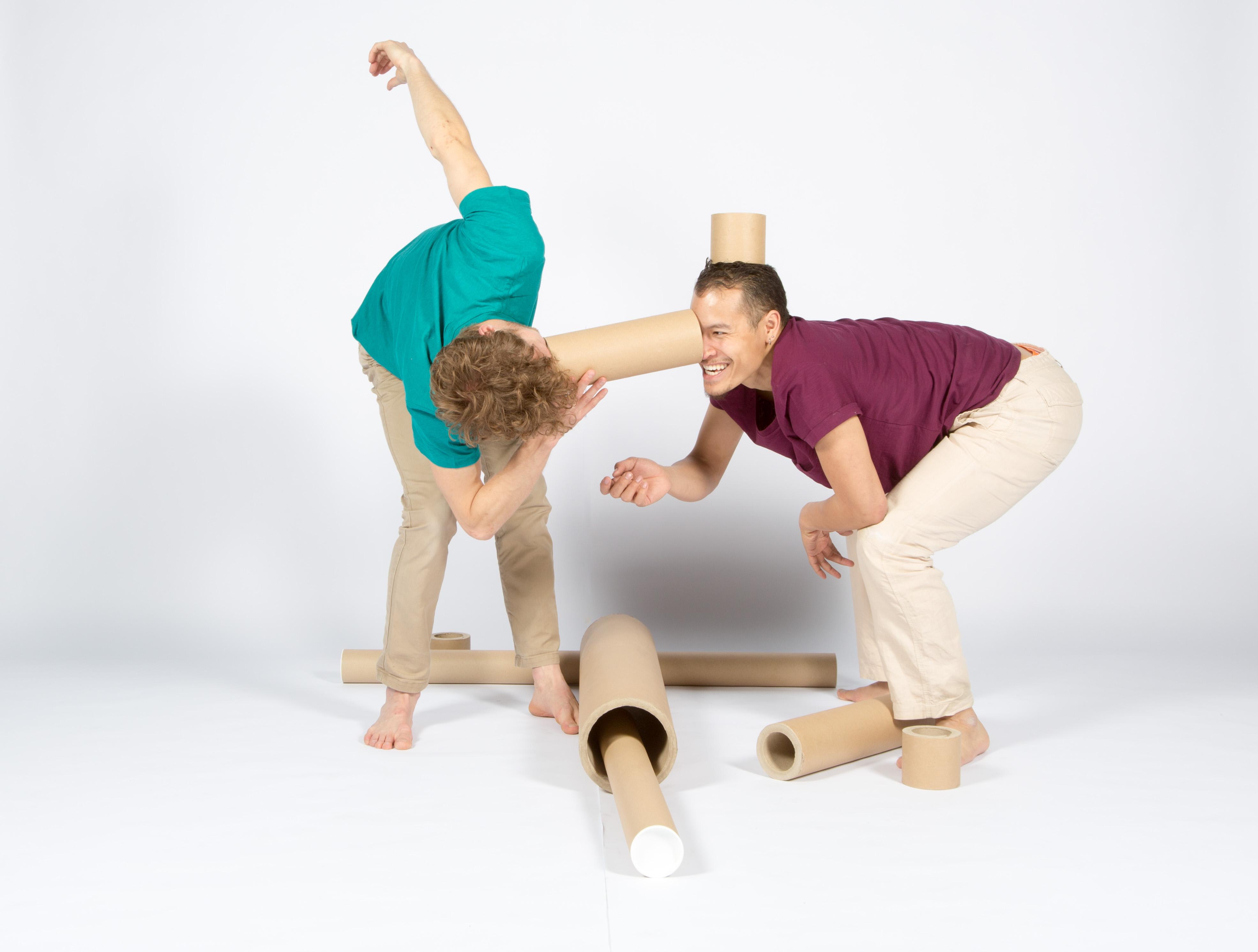 fotoshoot voor de dansvoorstelling kokers van dadodans van gaia gonnelli, fotografie door jeroen van pelt